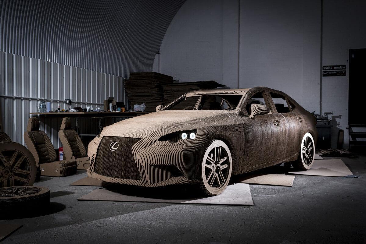 Компания Lexus построила электромобиль из картона