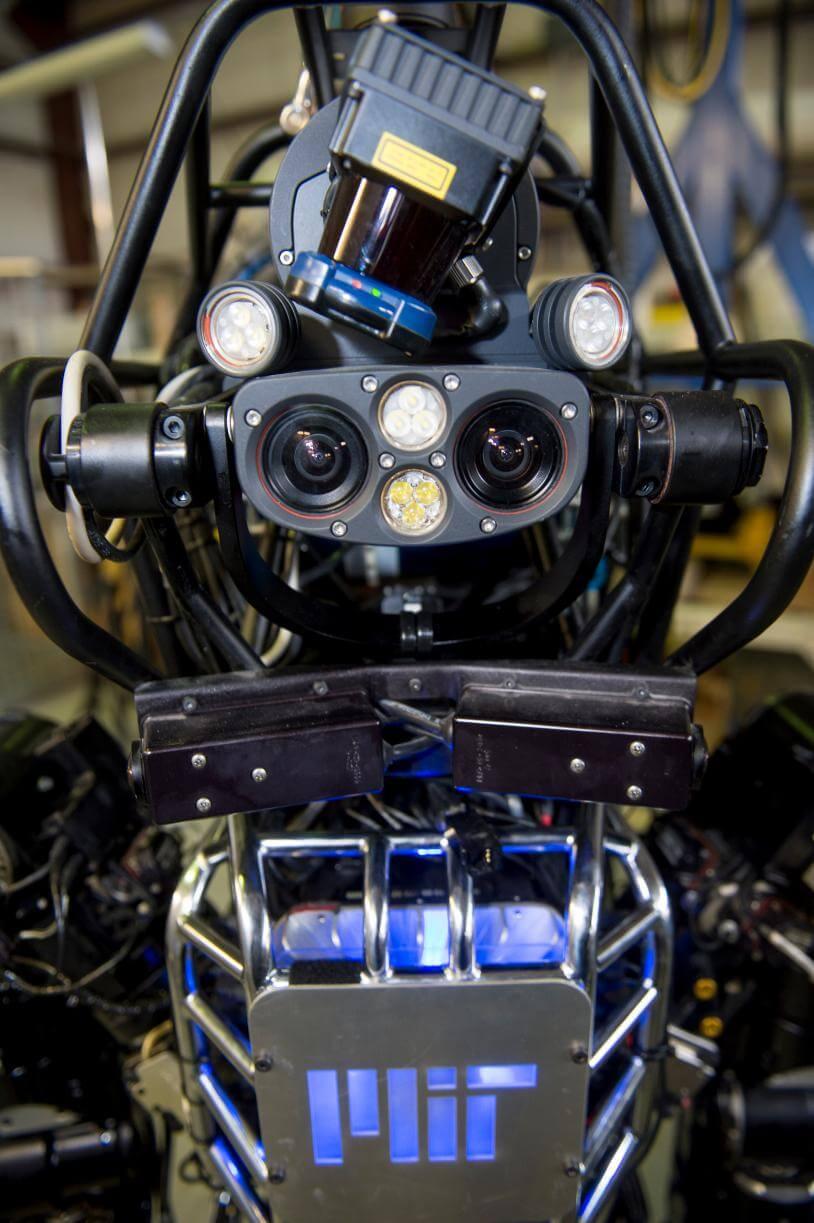 Как нам преодолеть риски искусственного интеллекта?