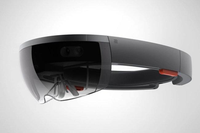 Очки Microsoft HoloLens на данный момент стоят 3000 долларов