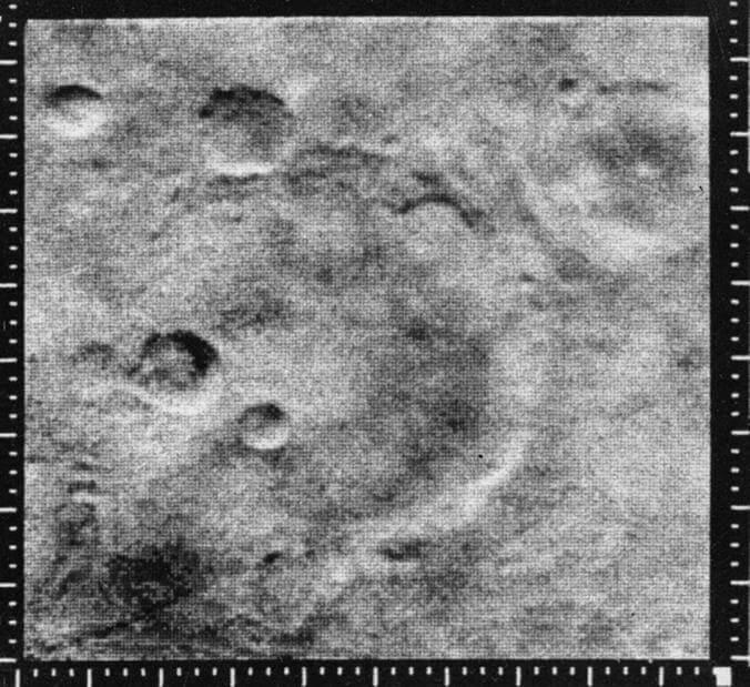 Фотографии Марса сделанные зондом Маринер-2