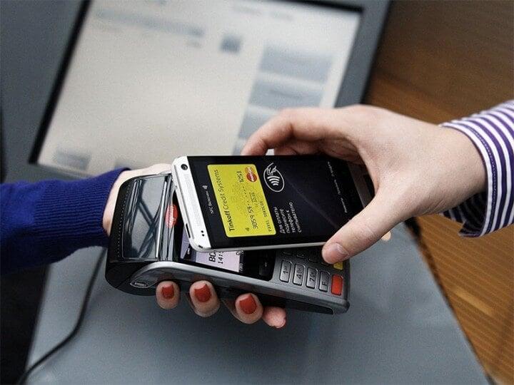 Выигрывай крутые призы из «Звездных войн», оплачивая покупки по NFC!