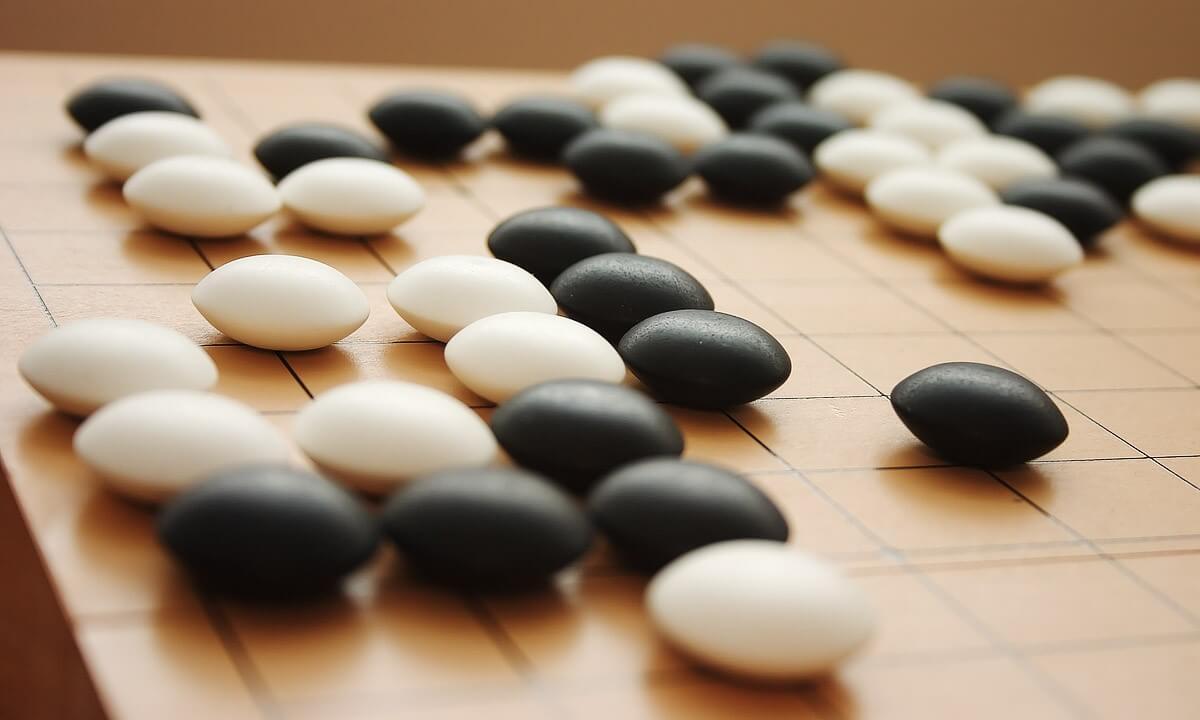 Facebook разрабатывает ИИ, способный победить человека в игре Го