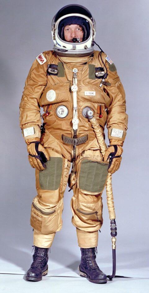 gallery-1448306923-shuttle-ejection-escape-suit-john-young