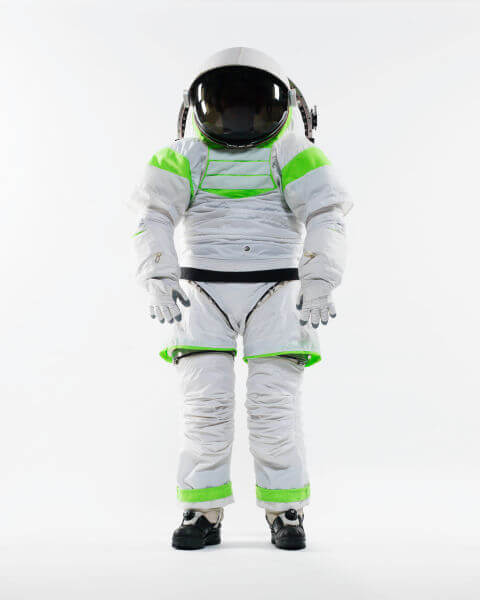 gallery-1448309418-z-1-spacesuit-prototype-standing-nov-2012