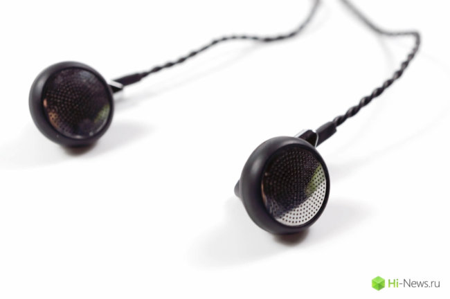 5 Earbuds As Is