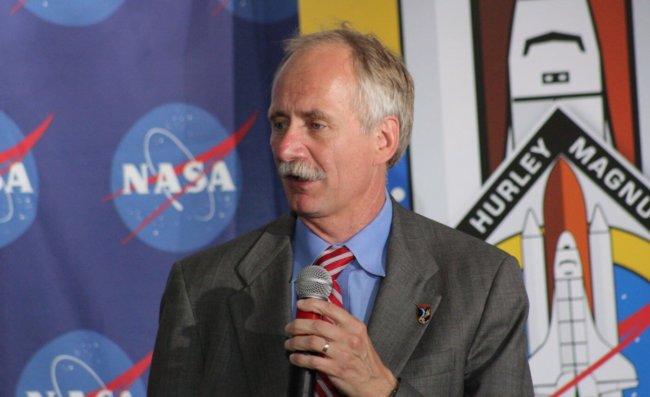 NASA откажется от МКС ради Луны