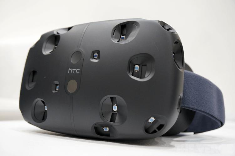 VR-гарнитура Vive поступит в продажу в апреле 2016 года