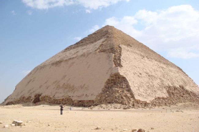 Пирамида Бент