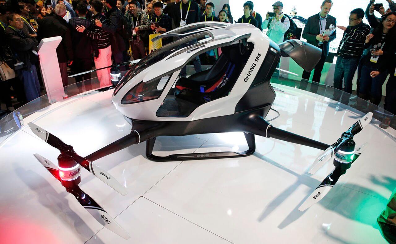 Представлен автономный одноместный летающий дрон-такси (видео)
