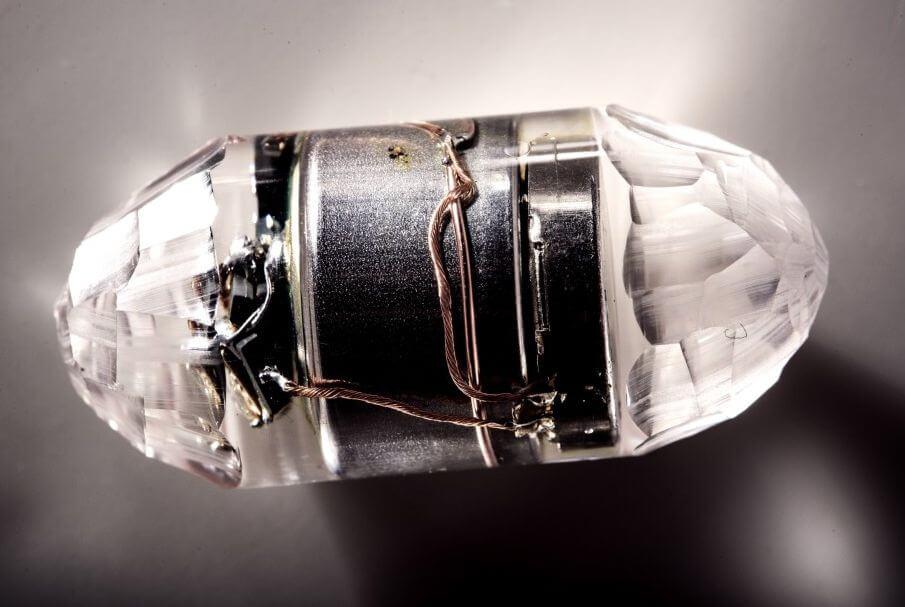 Чешский художник создал электронную таблетку для рэйвов