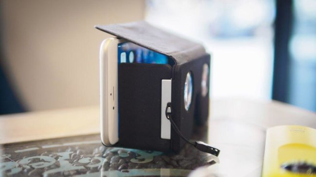 Гарнитура SmartVR позволяет спрятать виртуальную реальность в вашем кармане