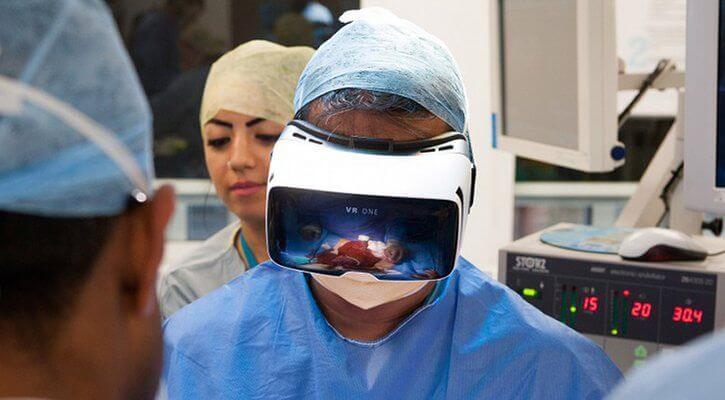 Впервые хирургическую операцию будут транслировать в VR-формате