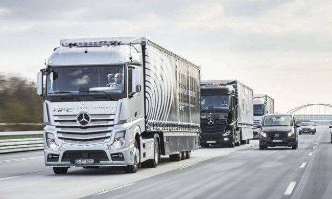 Автономные грузовики Mercedes Benz отправились в своё первое путешествие