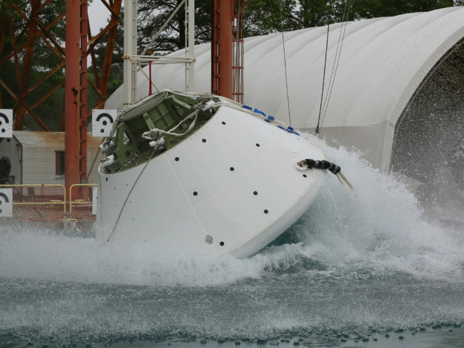 Как в NASA проводят краш-тест космического корабля Orion