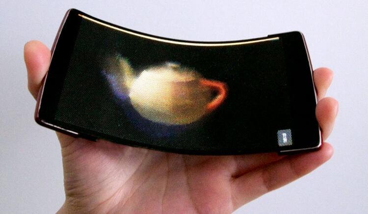 Гибкий голографический смартфон с 3D-печатным дисплеем