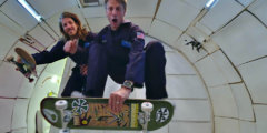 Тони Хоук опробовал скейтборд в условиях невесомости