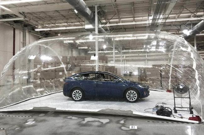 Спасет ли вас Model X при химической атаке?