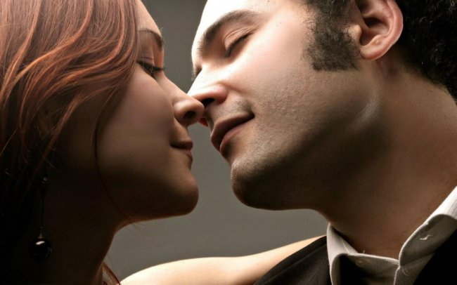 Искусственный интеллект предсказывает поцелуи