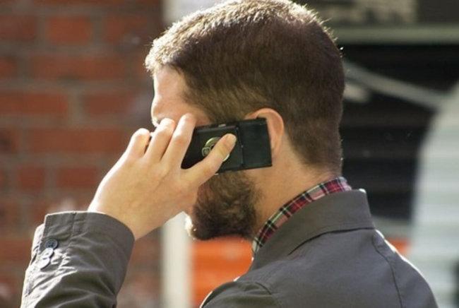 Связь между сотовыми телефонами и раком не доказана