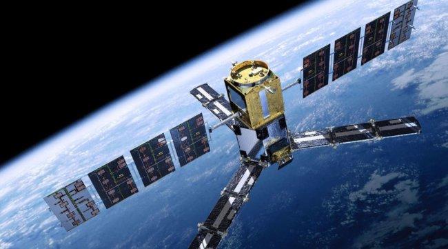 Российские учёные изобрели способ заряжать спутники с поверхности Земли