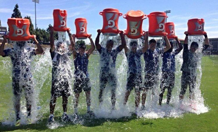 Акция Ice Bucket Challenge помогла разгадать тайну амиотрофического склероза