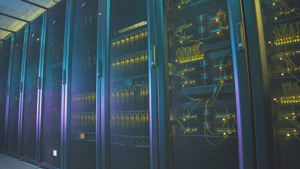 Искусственный интеллект помогает Google экономить электричество (2 фото)