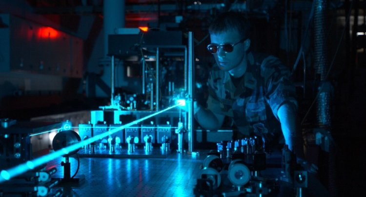 Ученые сумели «замедлить» свет в 10 раз