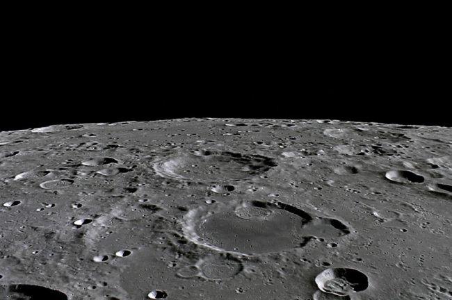 Специалисты моделируют поведение космонавтов на Луне