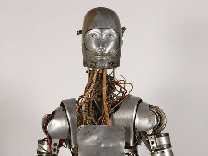 NASA решило продать одного из своих старых роботов-испытателей