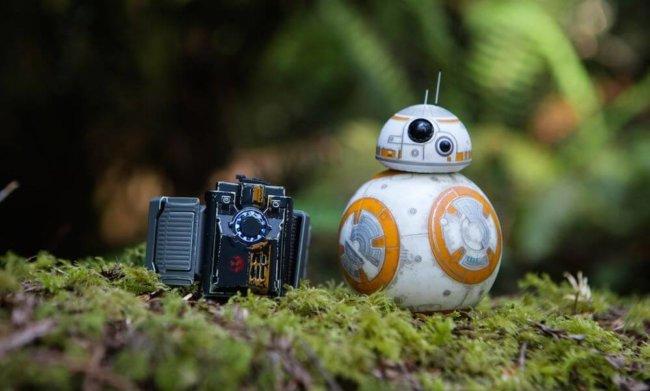 Дроидом BB-8 от Sphero теперь можно управлять джедайскими жестами
