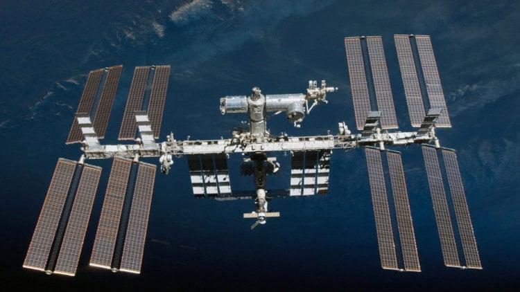 Путешествие по Международной космической станции в формате 4К