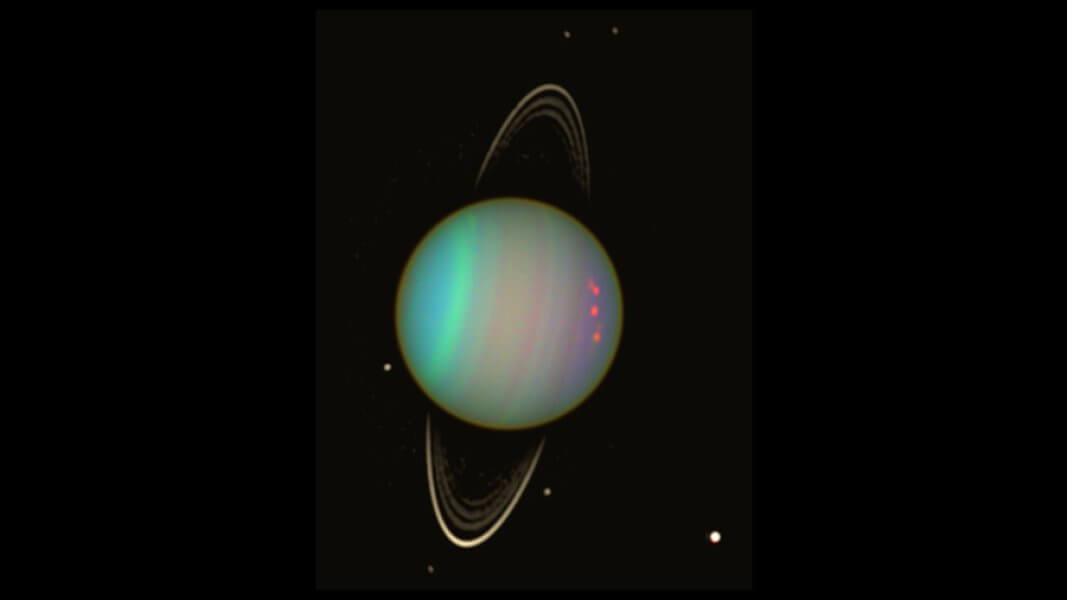 В кольцах Урана могут быть два неоткрытых спутника