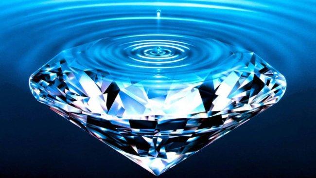 Алмаз и вода