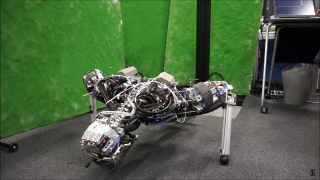 Японский робот начал потеть (+видео)