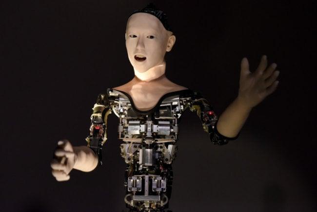 Скоро мы полюбим роботов, как японцы