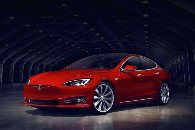 электромобили tesla model s обновят программное обеспечение «по воздуху»