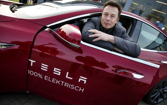 Tesla Motors обновит свой автопилот в середине декабря