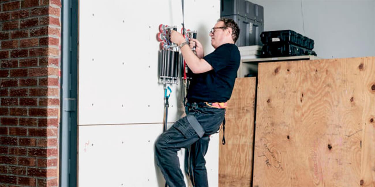 DARPA создало устройство, для передвижения по стенам