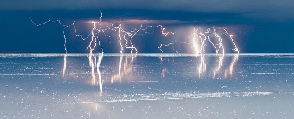 Ученые установили: вода проводит электричество