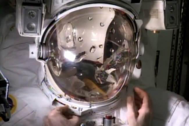 spacesuit-helmet