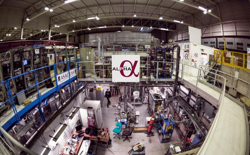 Физики доказали, что антиматерия является зеркальной копией обычной материи