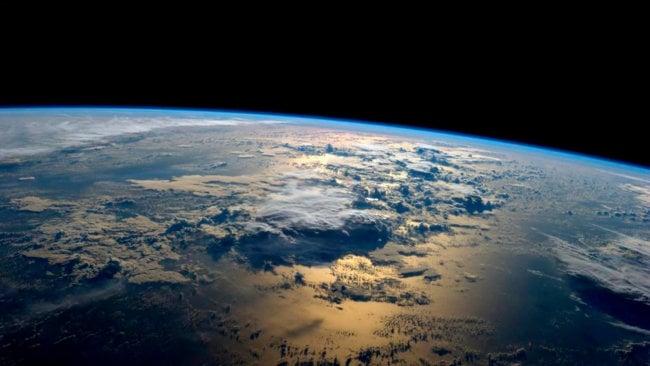 Планета Земля, снятая с борта МКС Ultra HD-камерой