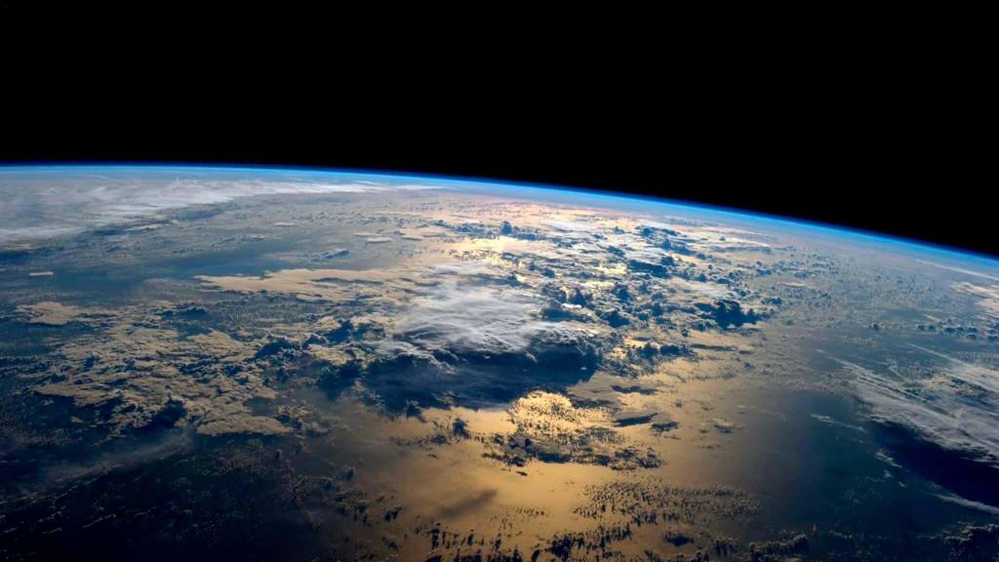 видео планета земля снятая борта мкс ultra hd-камерой