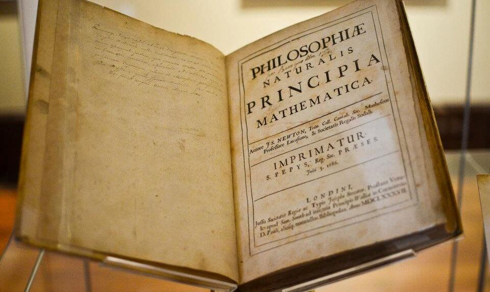 Книга Ньютона стала самым дорогим произведением