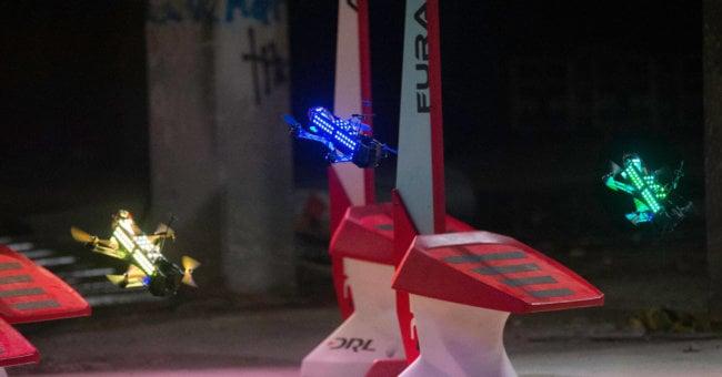 Гонки на дронах могут стать Олимпийским видом спорта (2 фото + 5 видео)