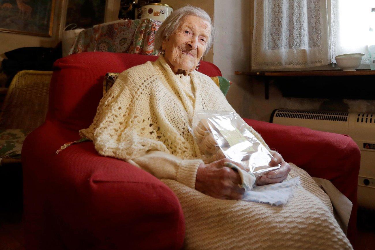 Самая старая женщина празднует 117-й день рождения