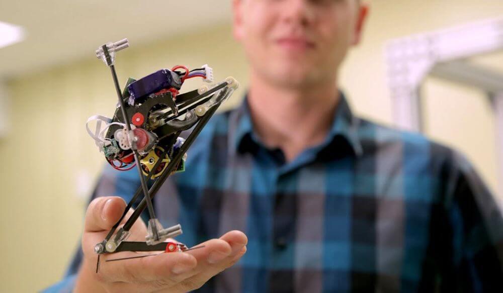 Сотрудники Калифорнийского университета разработали робота-паркурщика