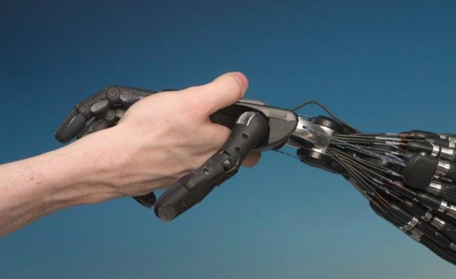 Роботы получат чувства осязания