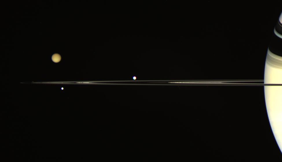 Наша следующая миссия по поиску внеземной жизни может быть связана с Сатурном