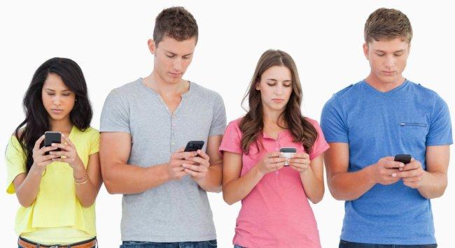 Какая нация сильнее зависит от смартфона?